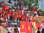Fan tuyển nữ Việt Nam khiến người Malaysia  choáng