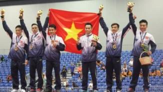 Nén đau đoạt HCV, Phạm Phước Hưng và đồng đội được thưởng 20 triệu đồng