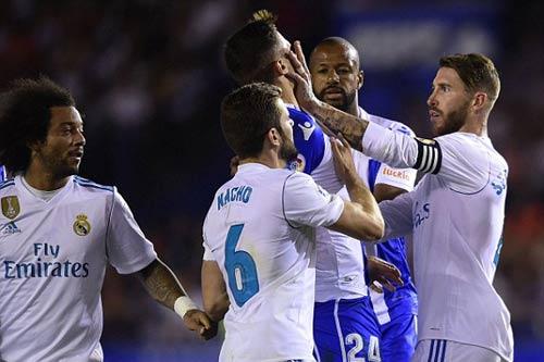 Chi tiết Deportivo - Real Madrid: Hỏng 11m, Ramos thẻ đỏ (KT) - 7