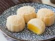 Tự làm bánh dẻo nhân kem trứng đón Trung thu