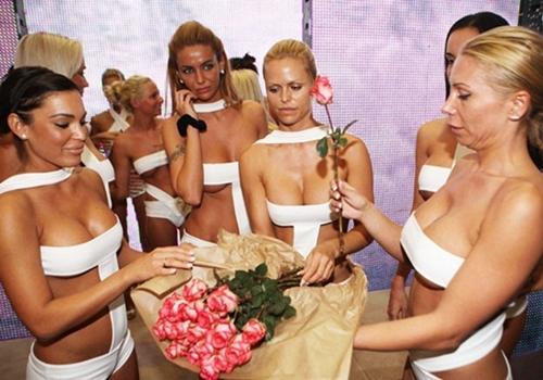 Đây là 4 cuộc thi Hoa hậu Siêu vòng 1 khiến đàn ông mất ăn mất ngủ! - 10