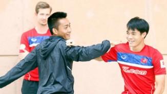 """U22 Việt Nam: Sau """"cơn bão"""", Hồ Tuấn Tài cười tươi chờ đấu Thái Lan"""