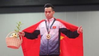 """Vua xà đơn Lê Thanh Tùng: """"Thương tích"""" đầy mình đoạt 3 HCV SEA Games"""