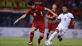 """""""Phù thủy"""" Rajagopal khen Công Phượng, cảnh báo U22 Việt Nam trước trận đá Thái Lan"""