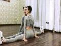 """Cận cảnh """"vòng 3 tự nhảy múa"""" cực sexy của Angela Phương Trinh"""