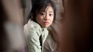 """11 tuổi liên tục đóng phim bom tấn, đây đích thị là """"bùa may"""" của phim Hàn"""
