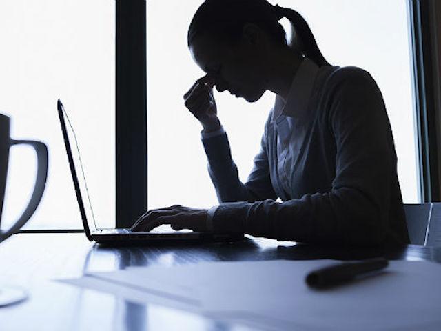 Giờ bạn có thể tự kiểm tra mức độ trầm cảm của mình qua... Google