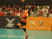 Chân dài bóng chuyền VN đấu Indonesia: Bất ngờ khán giả