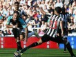 """Newcastle - West Ham: Chicharito """"tàng hình"""", kết cục kinh hoàng"""