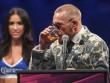McGregor nốc rượu giải sầu, Mayweather vui vẻ bên dàn mỹ nữ