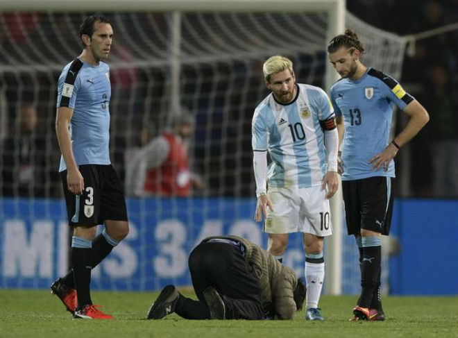 """ĐT Argentina lâm nguy: Messi trở lại, quyết sắm vai """"Thần hộ mệnh"""" - 8"""