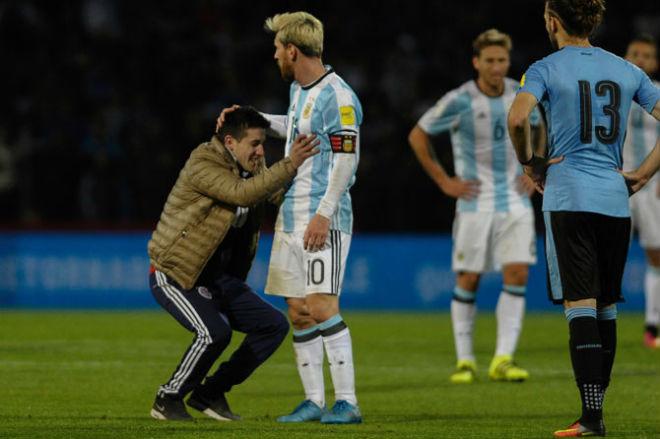"""ĐT Argentina lâm nguy: Messi trở lại, quyết sắm vai """"Thần hộ mệnh"""" - 7"""