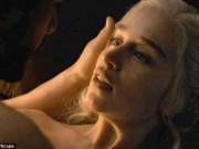 """Fan vỡ òa vì cảnh nóng và thân hình diễn viên trong tập cuối  """" Trò chơi vương quyền """""""