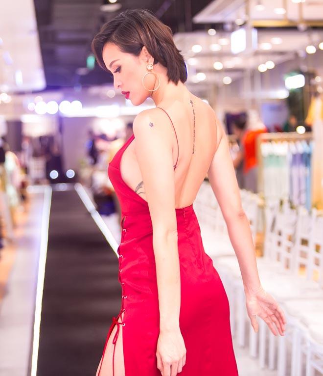 Phương Mai mặc xẻ cao tận hông, khoét lưng trần khiêu khích - 6