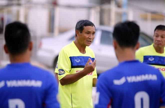 Đội tuyển Việt Nam đến Campuchia: Minh Long - Xuân Trường học làm Ánh Viên - 1