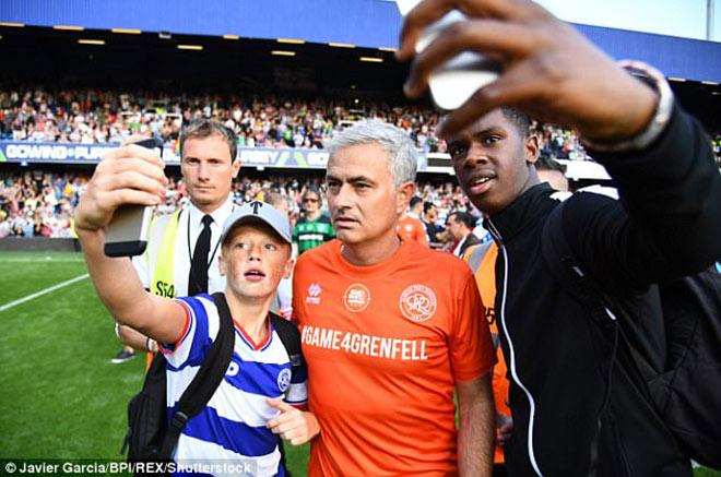 MU: Thầy Mourinho bắt bóng, đá 11m khiến De Gea và Lukaku kiêng nể - 8