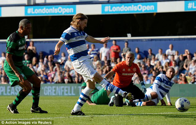 MU: Thầy Mourinho bắt bóng, đá 11m khiến De Gea và Lukaku kiêng nể - 3