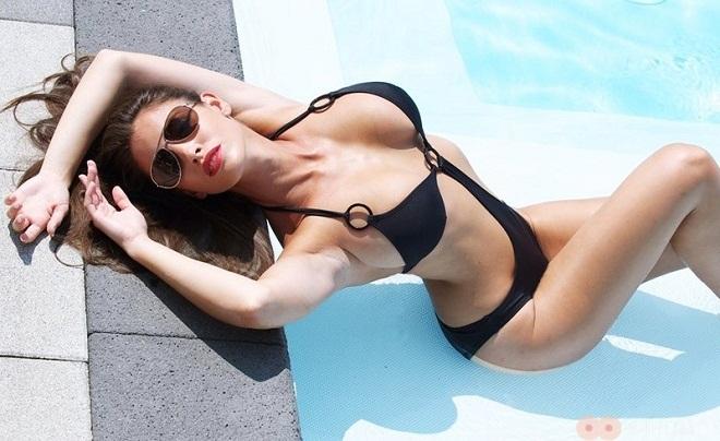 """Nữ vận động viên có """"đào tiên"""" 92cm bỏ nghề làm mẫu nude - 1"""