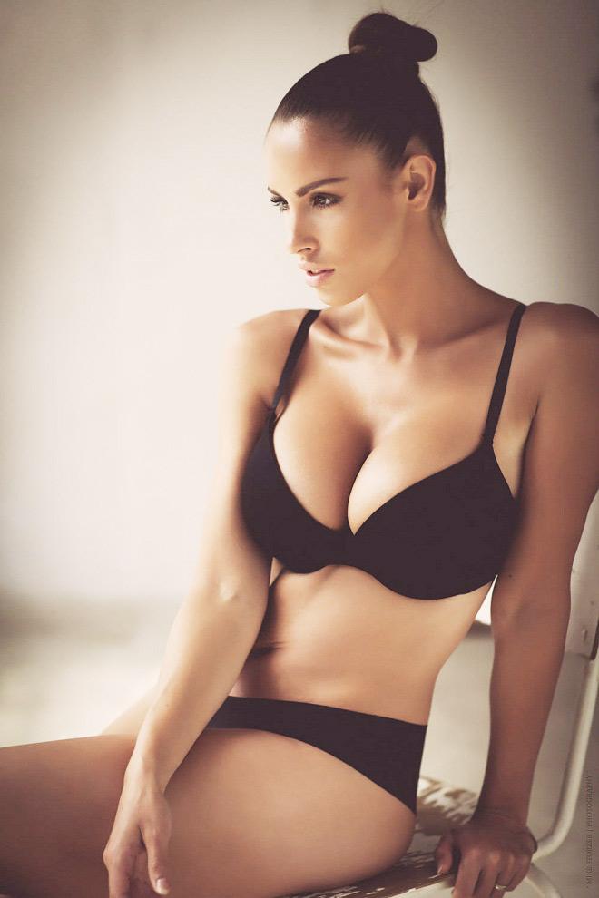 """Nữ vận động viên có """"đào tiên"""" 92cm bỏ nghề làm mẫu nude - 10"""