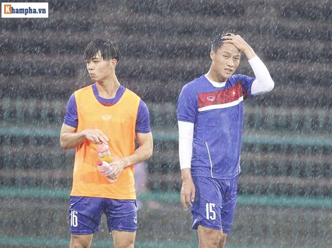 """ĐT Việt Nam: Công Phượng, Hồng Quân tập trong mưa đấu """"Ronaldo Campuchia"""" - 7"""