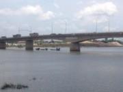 Tin tức trong ngày - 1 cán bộ dự án tỉnh Ninh Bình bỏ ô tô nhảy sông tự tử