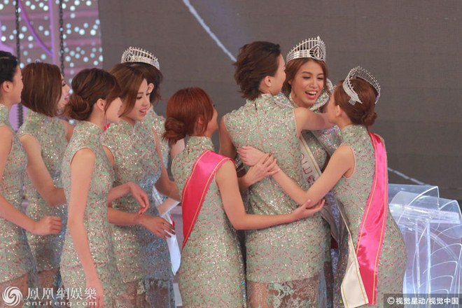 Ứng xử kém người đẹp vẫn đăng quang Hoa hậu Hong Kong - 1