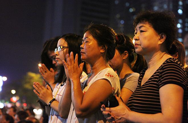 Hàng nghìn người ngồi kín chùa Phúc Khánh tụng kinh Vu Lan - 11