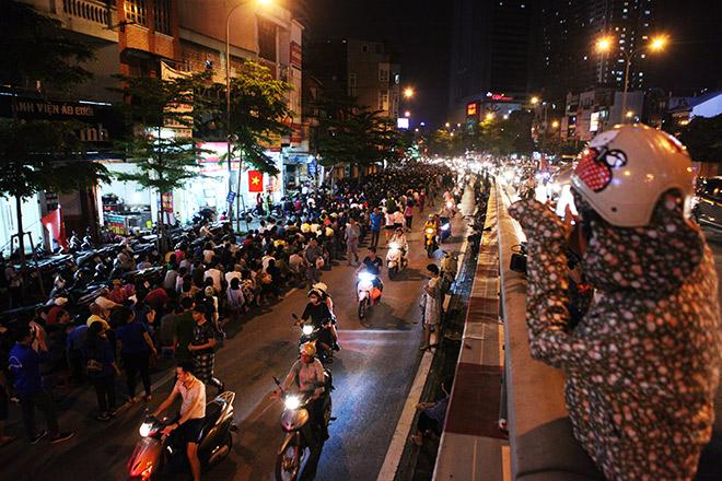 Hàng nghìn người ngồi kín chùa Phúc Khánh tụng kinh Vu Lan - 8