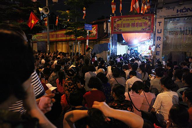 Hàng nghìn người ngồi kín chùa Phúc Khánh tụng kinh Vu Lan - 9