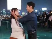 Song Hye Kyo và chồng sắp cưới phản ứng bất ngờ khi lần đầu xuất hiện