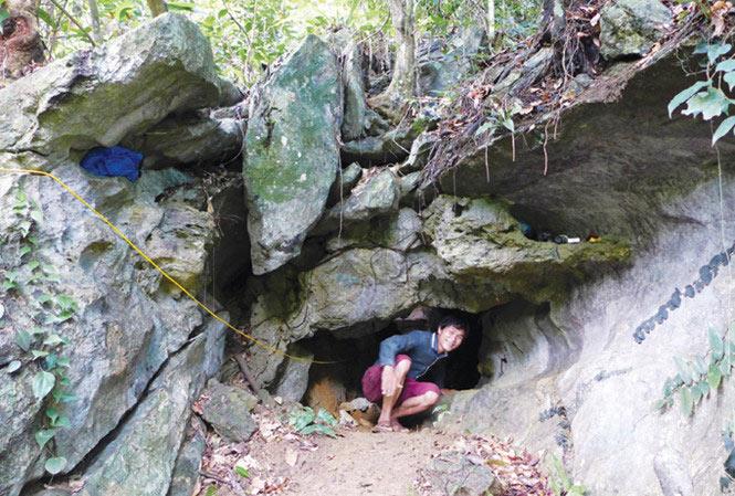 Theo dấu vết ngôi mộ cổ trong hang sâu xứ Lạng - 1