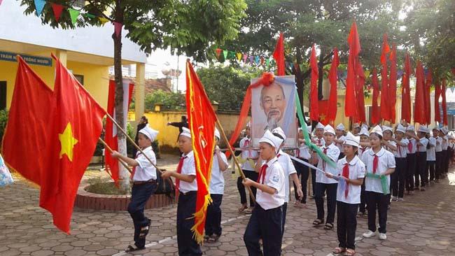 Những hình ảnh đầu tiên về lễ khai giảng năm học mới trên cả nước - 7