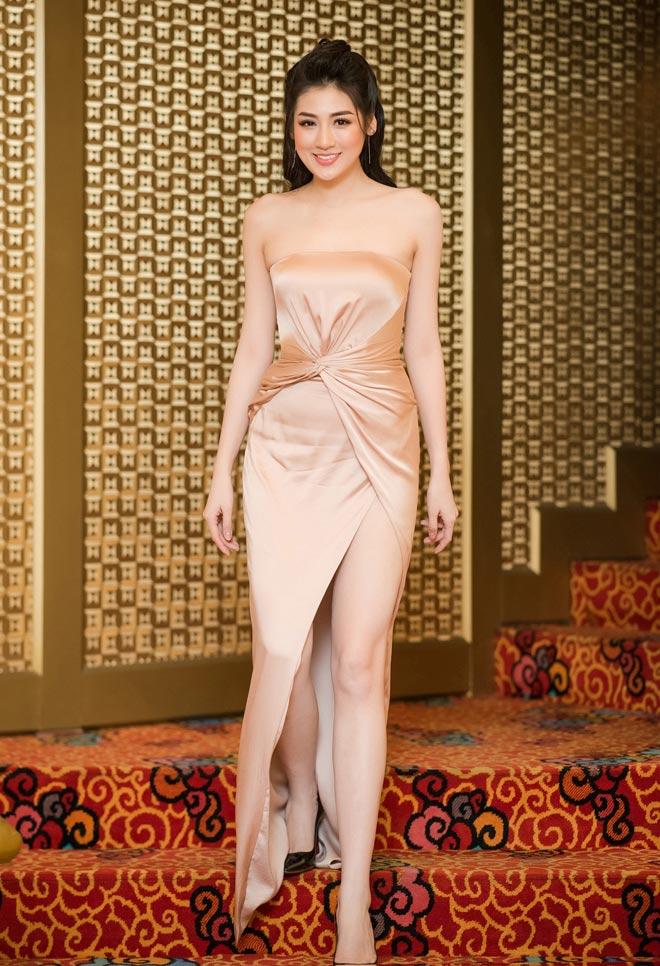 """11 bộ đầm sexy đẳng cấp của """"bạn gái Noo Phước Thịnh"""" - 3"""