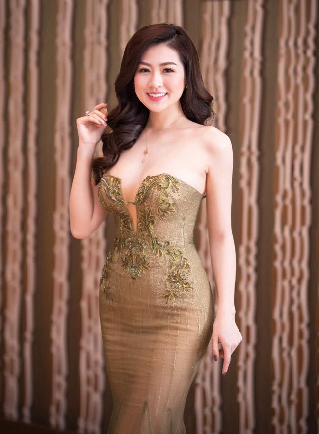 """11 bộ đầm sexy đẳng cấp của """"bạn gái Noo Phước Thịnh"""" - 6"""