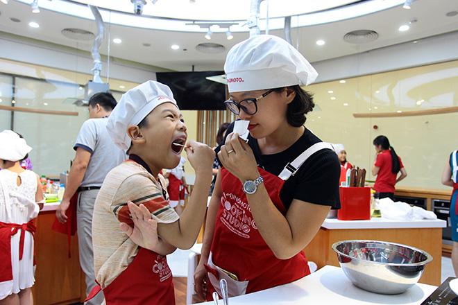 """Khó tin lớp học nấu nướng miễn phí trong căn bếp """"sang chảnh"""" nhất Hà Nội - 5"""