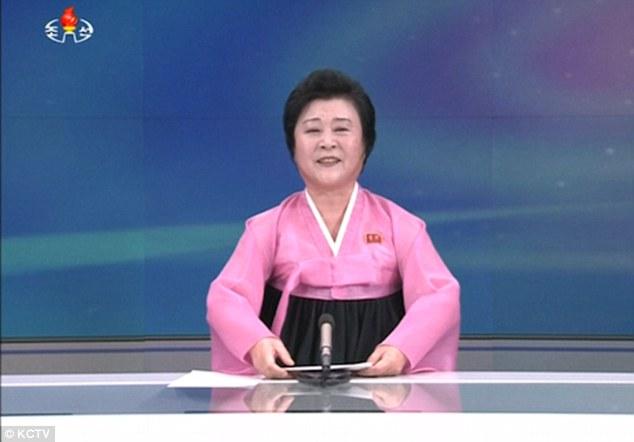 """Nữ MC Triều Tiên chuyên đọc tin khiến Mỹ-Hàn """"run rẩy"""" - 1"""