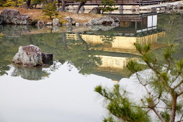 Choáng ngợp ngôi chùa được dát bằng vàng thật ở Nhật Bản - 6