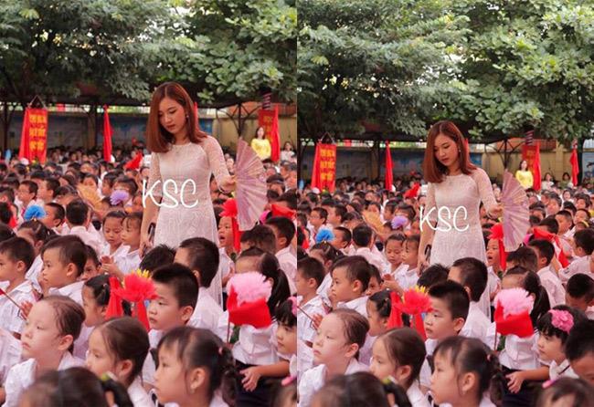 """Và ngày 5/9 vừa qua, hình ảnh cô giáo Hà Nội đứng quạt cho các em nhỏ đang ngồi dự lễ khai giảng một lần nữa  """" gây sốt """"  mạng xã hội."""