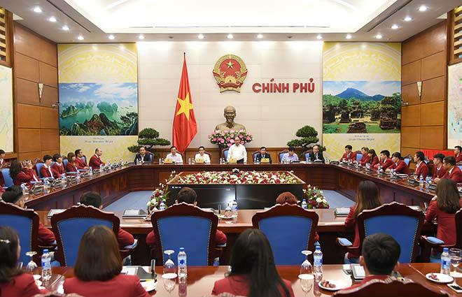 Thủ tướng khen ngợi điền kinh Việt Nam lần đầu tiên vượt Thái Lan - 4