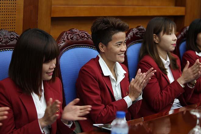 Thủ tướng khen ngợi điền kinh Việt Nam lần đầu tiên vượt Thái Lan - 6