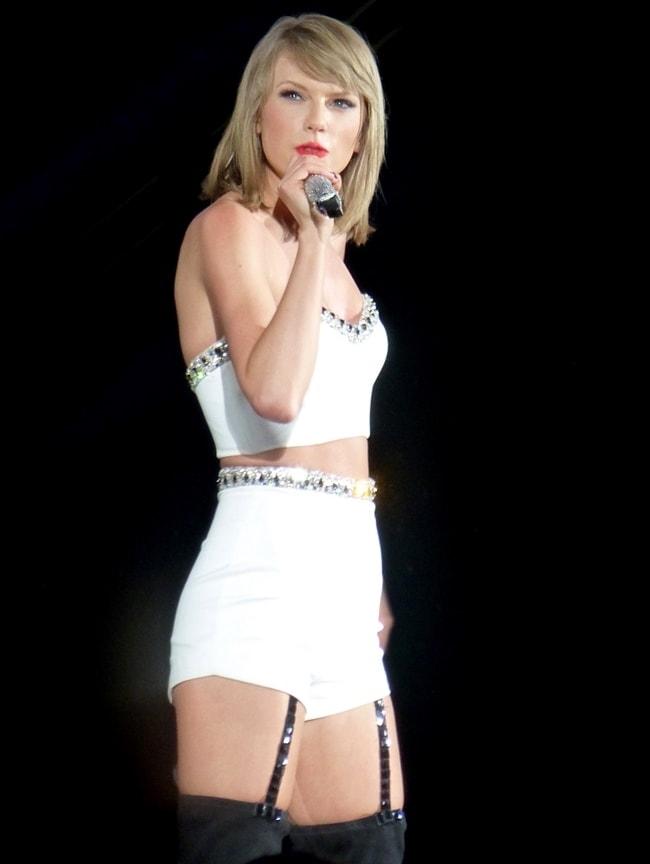 Vòng 1 bỗng nảy nở, Taylor Swift vướng nghi vấn dao kéo - 13