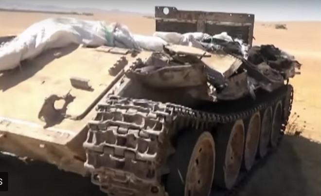 """Đột nhập kho vũ khí của 200 tay súng IS bị """"nướng chín"""" - 1"""