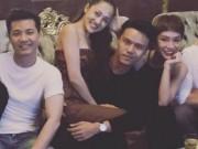 """Ca nhạc - MTV - Bạn gái Hồ Quang Hiếu ngồi trong lòng """"trai lạ"""""""