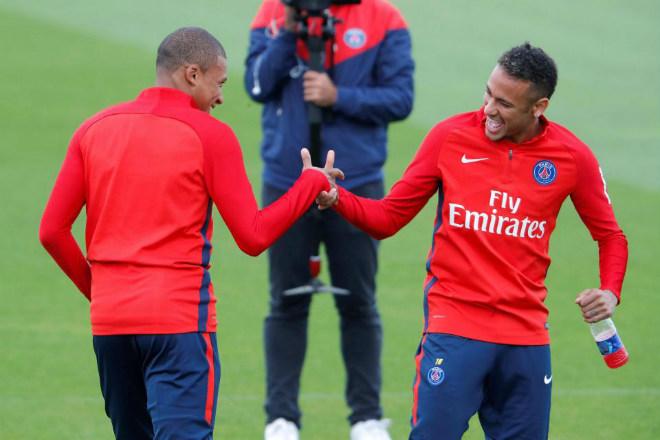 """PSG náo loạn vì """"Bom tấn"""" Mbappe 180 triệu euro: Từng suýt đến Arsenal - 12"""