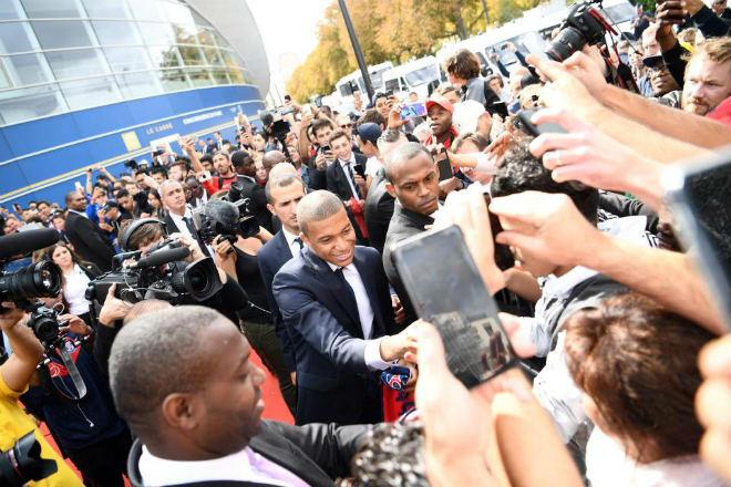 """PSG náo loạn vì """"Bom tấn"""" Mbappe 180 triệu euro: Từng suýt đến Arsenal - 2"""