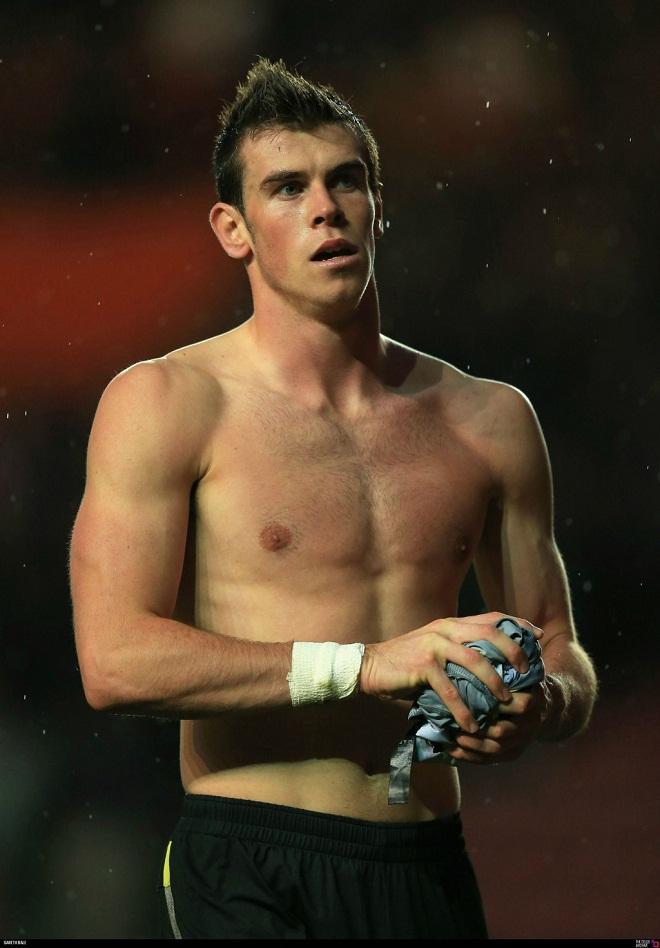 """""""Vua tốc độ"""" Gareth Bale miệt mài tập 6 múi, sắp vượt mặt CR7 - 5"""