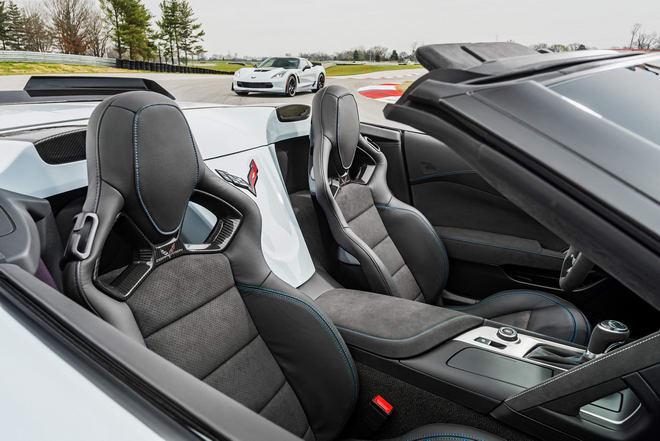 Chevrolet Corvette 2018 có giá từ 1,3 tỷ đồng - 3