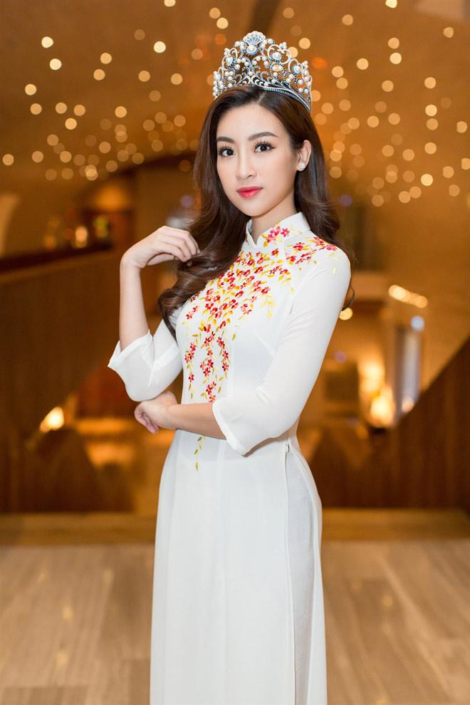 """Hoa hậu Lào """"xinh như tiên"""" lần đầu đọ sắc Đỗ Mỹ Linh - 8"""