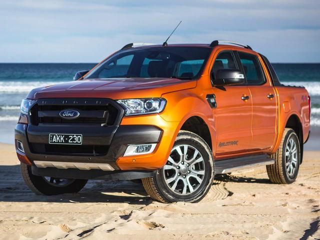 """Đến lượt xe Ford giảm giá trong tháng """"cô hồn"""" - 2"""
