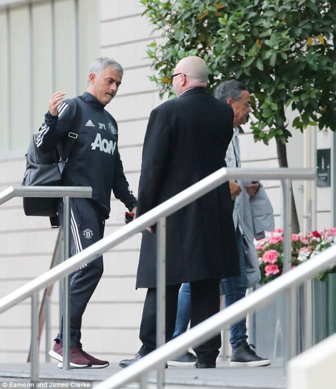 """Ngoại hạng Anh trở lại: MU & Mourinho sợ """"dớp đen"""", đối thủ chờ hưởng lợi (P3) - 2"""